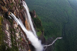 Angel Falls - Parc National Canaima, Venezuela) 2