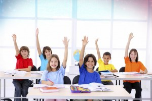 boys-and-girls-kids-hand-up-in-air-classroom-School-Education